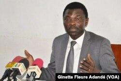 Le ministre de la Justice, Joseph Djogbenou, à Cotonou, au Bénin, le 6 janvier 2018. (VOA/Ginette Fleure Adandé)