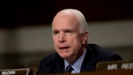McCain, thirrje Trumpit të kërkojë falje