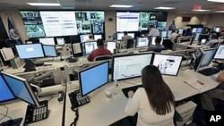 """网路安全成为虚拟世界中最大的现实问题。图为美国""""国家网络空间安全和通信集成中心""""。(2010年9月 资料照片)"""