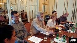 Nacrt novog zakona o finansiranju političkih aktivnosti predstavljen je na konferenciji za novinare u Aero klubu u Beogradu.