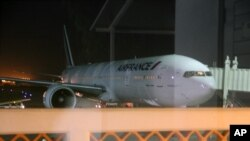 An Air France plane which arrived at Moi International Airport, Mombasa, Kenya on Dec. 20, 2015 to pick passengers after a bomb scare on their earlier flight from Mauritius.