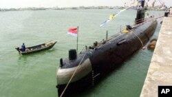 中国潜水艇(资料照片)