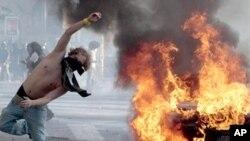 意大利首都羅馬舉行的支援'佔領華爾街'活動﹐演變為暴力衝突確。