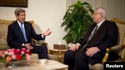 Госсекретарь США Джон Керри и временный президент Египта Адли Мансур. Египет. 3 ноября 2013 г.