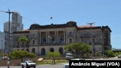 É utópico Moçambique prescindir do apoio de doadores, dizem economistas