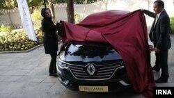 رونمایی از یک مدل رنو در تهران - مهر ۱۳۹۵