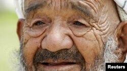 Afg'onistonda taxminan to'rt million o'zbek yashaydi. O'zbekcha mamlakatdagi rasmiy tillardan biri.