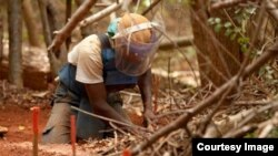 U.S. and Sri Lanka Partners in Demining