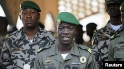 Kapten angkatan darat Mali Amadou Sanogo, pemimpin kudeta tahun 2012 dinaikkan pangkatnya menjadi jenderal, Rabu (15/8) beberapa hari setelah mantan perdana menteri Ibrahim Boubacar Keita dinyatakan sebagai presiden Mali (Foto: dok).