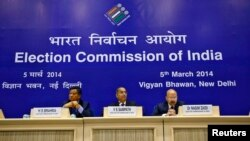 India's Chief Election Commissioner V.S. Sampath (C) listens to a reporter's question during a news conference to announce election dates, in New Delhi, March 5, 2014.