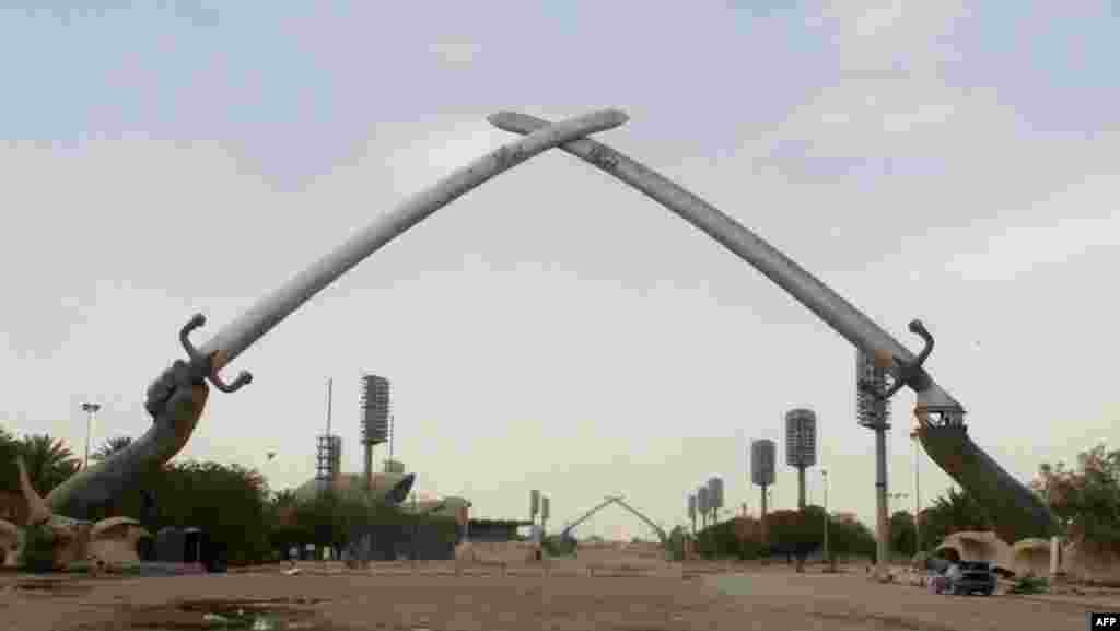The Hands of Victory are missing the right hand, part of a government move to dismantle the Saddam-era monument.