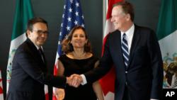 Representantes comerciales de México, Canadá y EEUU, durante tercera de negociaciones del TLCAN en Ottawa. Septiembre 27, 2017.