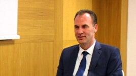 EULEX-i shkrinë në një akuzat ndaj Fatmir Limajt