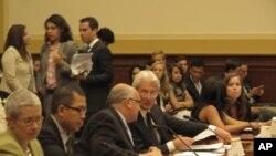 2일 인권청문회에 참석한 전문가들