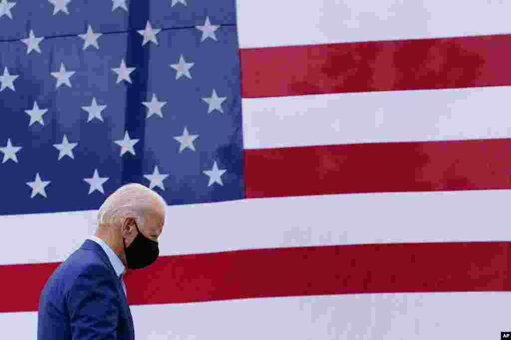 Democratic presidential candidate former Vice President Joe Biden departs after speaking at a campaign event on manufacturing American products at UAW Region 1 headquarters in Warren, Mich., Sept. 9, 2020.