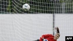 Thủ môn Hope Solo không để lọt lưới quả nào trong suốt giải tranh suất dự Olympic London của khu vực CONCACAF