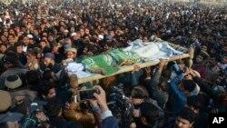 Funérailles de Zainab, 6ans, violée et tuée, à Kasur, au Pakistan, 10 janvier 2018.