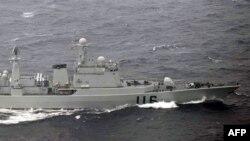 日本防衛廳圖片顯示中國軍艦10月16日穿宮古海峽