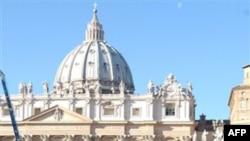 Бенедикт XVI призвал христиан, иудеев и мусульман исключить насилие из своей жизни