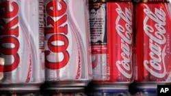 Une initiative va réduire de 20 % les calories des boissons sucrées de trois fabricants au cours de la prochaine décennie (AP)