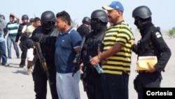 De los 36 traficantes detenidos, 17 fueron capturadas en El Salvador, 7 en Guatemala y 12 en México. [Foto: Cortesía, ICE/Embajada de El Salvador].