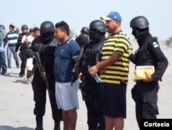 Mexico là nước cung cấp và cũng là đích đến của những người đàn ông, phụ nữ và trẻ em bị buôn bán làm nô lệ tình dục và bị cưỡng bức lao động.