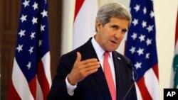 El secretario de Estado advierte sobre un posible regreso de los talibanes liberados en canje.