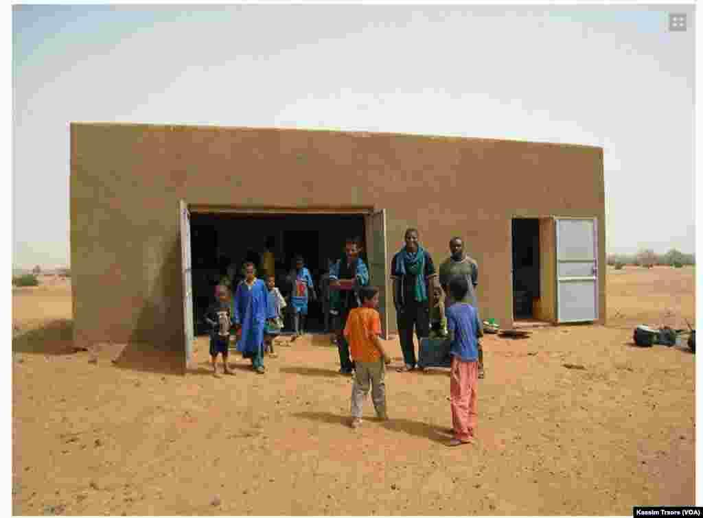 Rentrée à Kidal, au Mali, le 17 octobre 2016. (VOA/Kassim Traore)