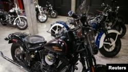 Xe mô tô của hãng Harley Davidson bày bán ở Bangkok, Thái Lan