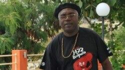 """26 Maio 2017 Angola Fala Só - Francisco Rasgado: """"Este é um Governo jogador de poker"""""""