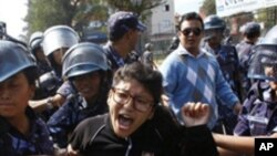 نیپال: ملک گیر ہڑتال سے زندگی مفلوج