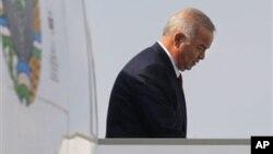 O'zbekiston Xalq Harakati nazarida Islom Karimov diktaturasi bilan orani mustahkamlayotgan G'arb kelajakda muammolarga duch kelishi mumkin.