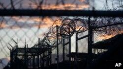 """El presidente electo de Estados Unidos, Donald Trump, dijo durante su campaña que no solo quiere mantener Guantánamo abierto sino """"llenarlo de gente mala""""."""