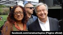 Vera Duarte, escritora cabo-verdiana, (esq) e António Guterres (dir), secretário geral da ONU