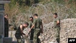 Pripadnici KFOR-a na graničnom prelazu Jarinje