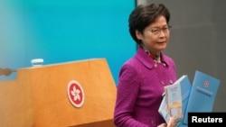 香港特首林鄭月娥發表《施政報告》後出席記者會。 (2020年11月25日)