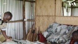 Xưởng thuộc da cá ở Kenya