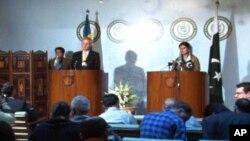 پاکستان اور سویڈن کے وزرائے خارجہ کی اسلام آباد میں پریس کانفرنس