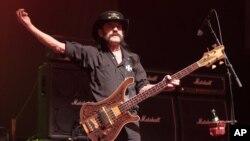 """Kilmister nació la víspera de la Navidad de 1945 en Staffordshire, Inglaterra, y fundó Motörhead en 1975. """"Lemmy"""" jamás dejó de actuar y grabar."""