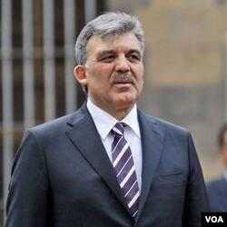 Presiden Turki Abdullah Gul mengeluarkan peringatan kepada Israel.