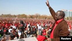Morgan Tsvangirai, líder do MDC e primeiro-ministro em campanha eleitoral