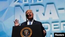 Tổng thống Donald Trump phát biểu tại một đại hội của Hiệp hội Súng trường Quốc gia (NRA) ở Dallas, bang Texas, ngày 4 tháng 5, 2018.