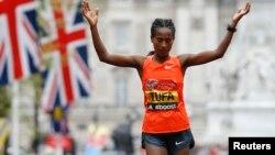 TigistiTufaa Ebla,26,2015 maratooni London moote