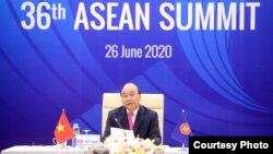 Thủ tướng Nguyễn Xuân Phúc phát biểu trong cuộc họp kết thúc Hội nghị ASEAN tại Hà Nội vào ngày 26/6/2020.