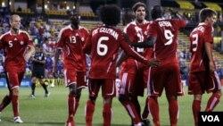 Canadá celebra el único del partido. El equipo descansa en el primer puesto del Grupo A.