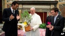 El papa Francisco recibió en el Vaticano a las delegaciones de Italia, lideradas por Bufón, y Argentina, representada por Messi.