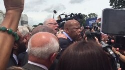 Congressman John Lewis Leads Supporters in Singing 'We Shall Overcome'