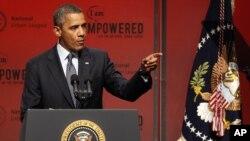 Predsednik Obama obraća se konferenciji Nacionalne urbane lige u Nju Orleansu, 25. jula 2012.