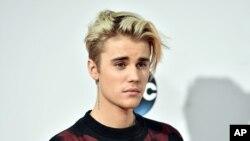 Justin Bieber tại Lễ Trao Giải Âm Nhạc Mỹ ở Los Angeles tháng 11 vừa qua.
