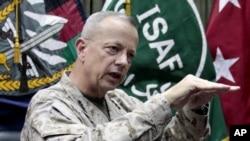افغانستان میں تعینات اتحادی افواج کے سربراہ امریکی جنرل جان ایلن